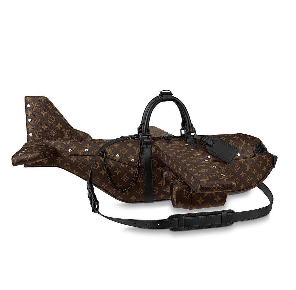 """Pesawat Terbang Jadi Bentuk Tas Terbaru Louis Vuitton, Harganya Lebih Mahal Dari """"Pesawat Asli"""""""