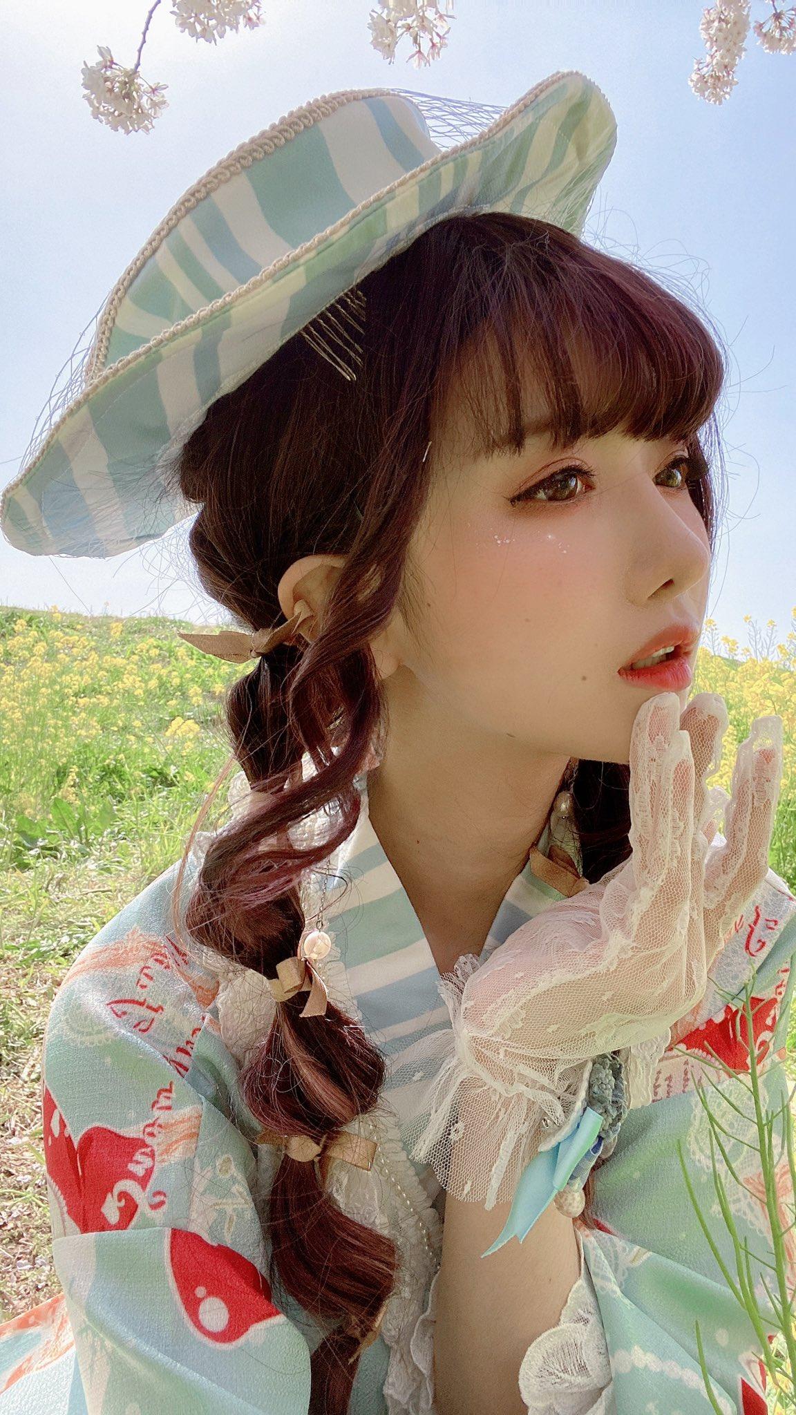 画像,花の香りがときめき、 風に挟まれた優しさMake-up:@miyako_cheng#Lolitafashion #lolita https://t.co/BBg…