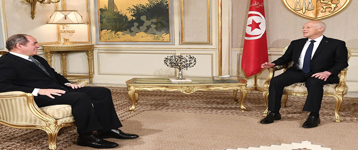 بوقادوم يزور تونس ويحمل رسالة إلى قيس سعيد ===