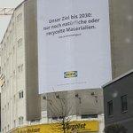 Image for the Tweet beginning: Die aktuelle @IKEA Werbung beschreibt
