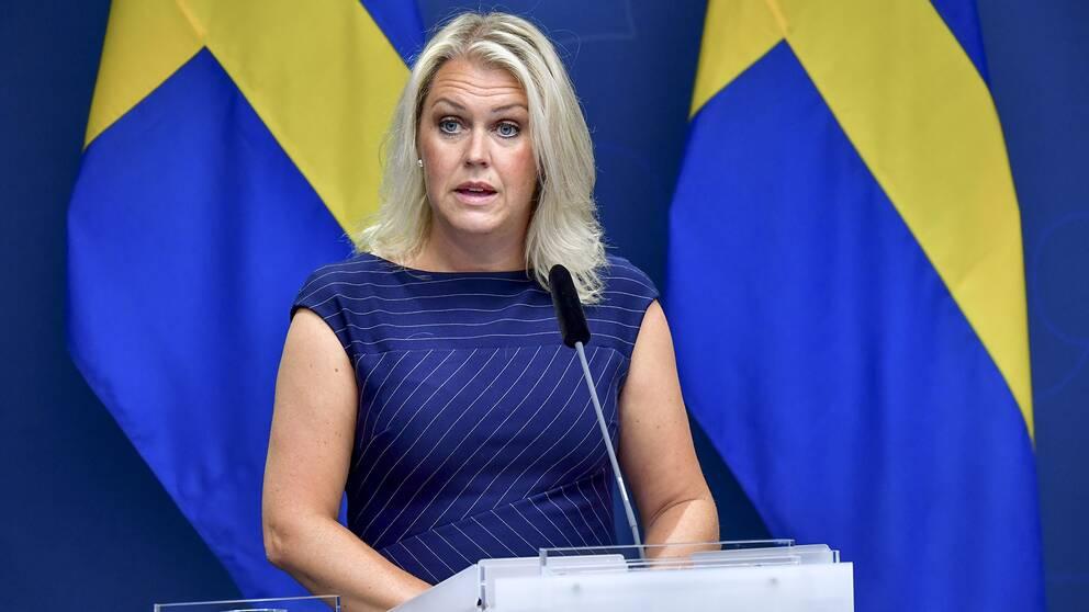 """Diario Jornada on Twitter: """"La ministra de Salud de #Suecia Lena Hallengren  anunció que se retrasa la campaña de #vacunación contra la #Covid por falta  de vacunas https://t.co/b2UExWufOt https://t.co/F81fC8jrO1"""" / Twitter"""