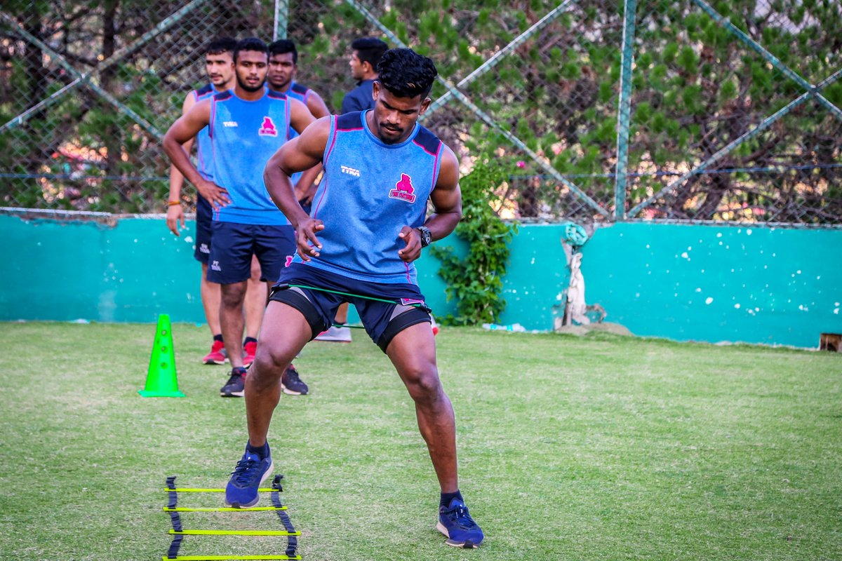 The longer you train, the stronger you become.  #PantherSquad #JaiHanuman #TopCats #JaipurPinkPanthers #JPP #Jaipur #vivoprokabaddi