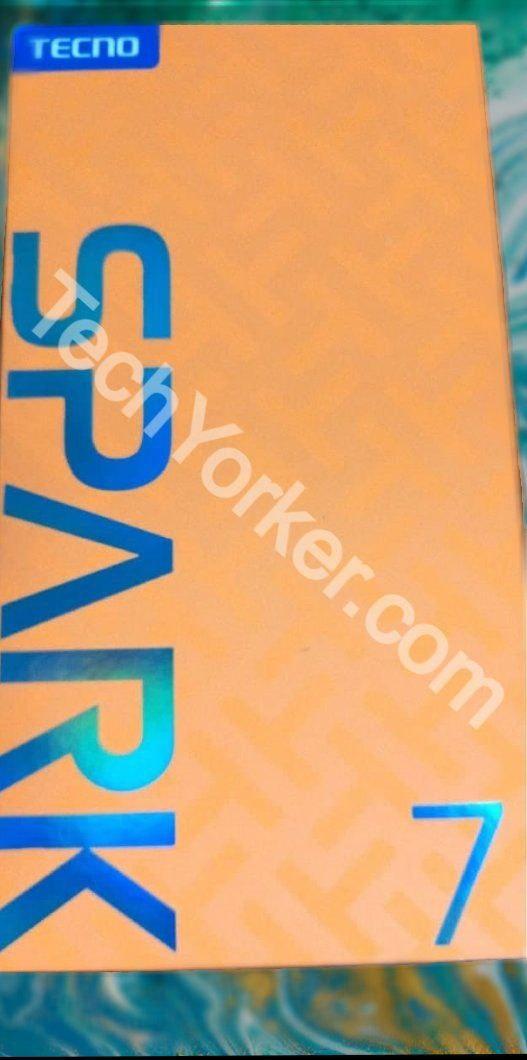 Box of the Tecno Spark 7