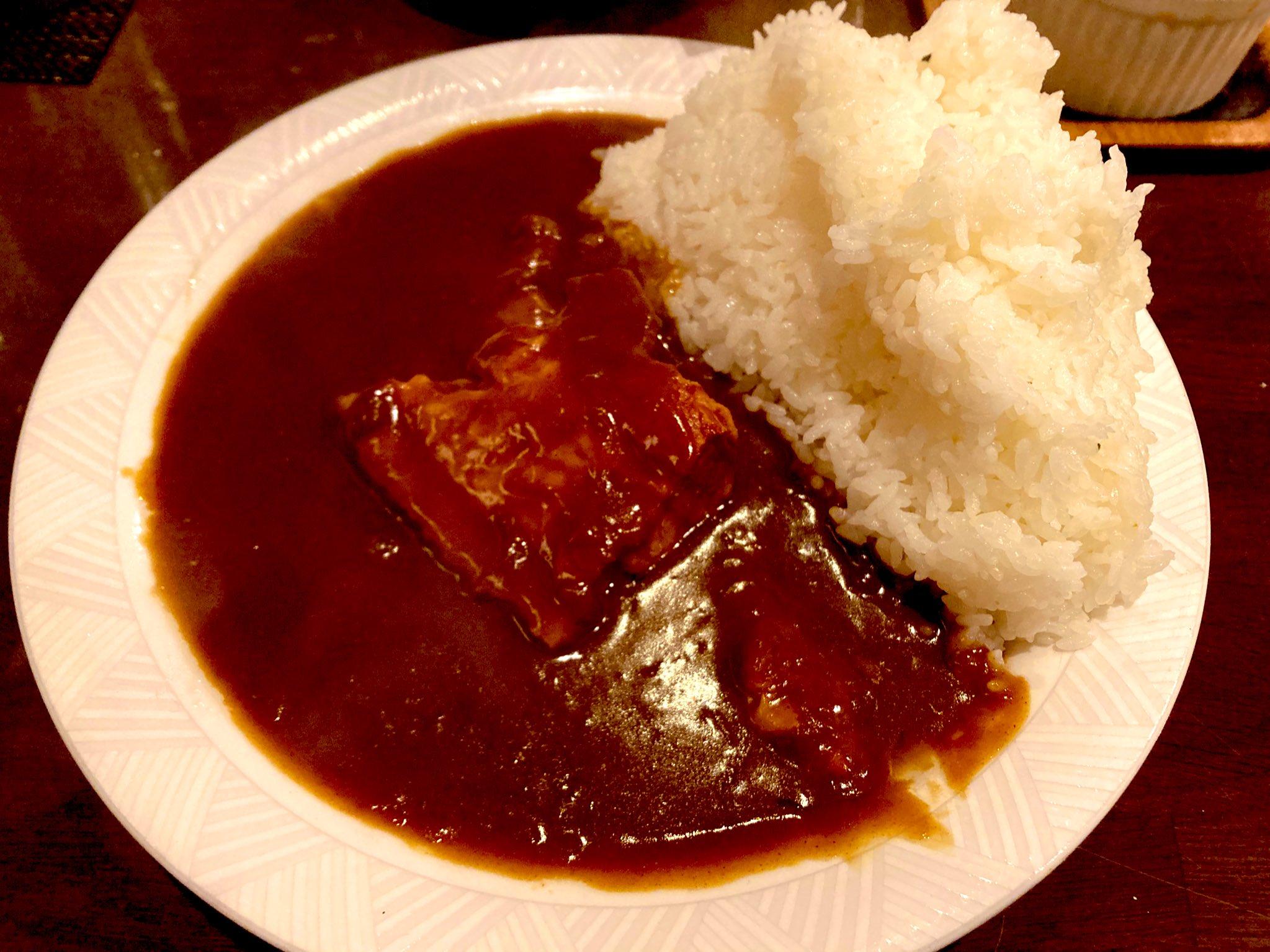 カフェ・エッシャーの豚角煮カレー