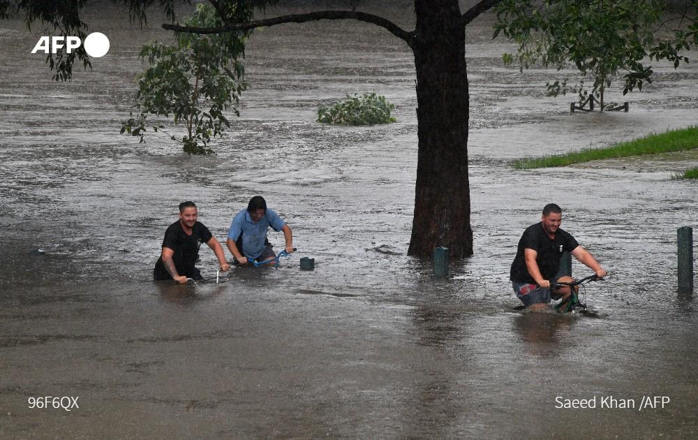 Зміни клімату - після пекельких пожеж встралію накрили повені