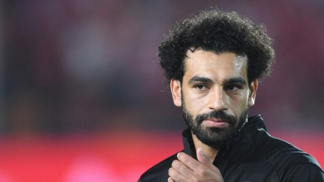"""محمد صلاح يعود لقيادة منتخب """"الفراعنة"""" وينفي الشائعات"""