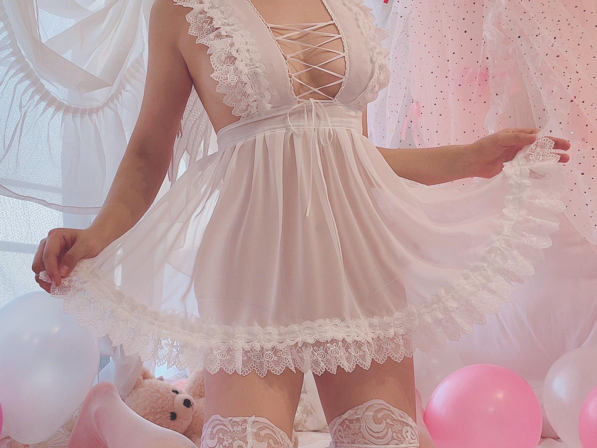 画像,推しが裸エプロンの天使になる衣装推しへのプレゼントにいかがですか? https://t.co/EHJYb5jfdy。