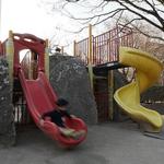 近所の公園から子どもたちの声が消え、代わりに高齢者が増えてしまう!