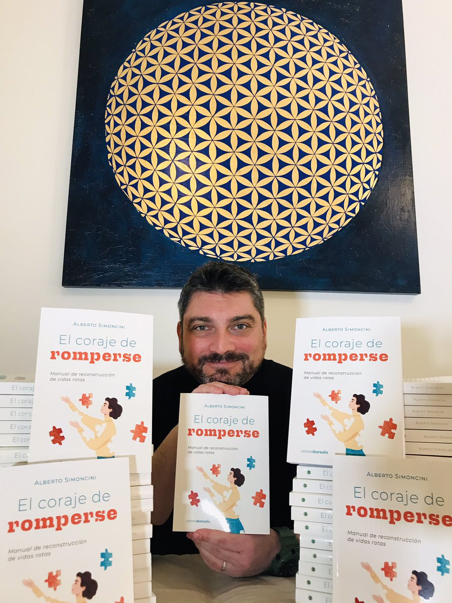 Hoy es un día d mucha alegría, xk x fin tengo entre mis manos las primeras copias del nuevo libro Estoy muy contento por varias razones: —-SIGUE HILO  #elcorajederomperse #duelo #coronaborealis #autoayuda #ecologiamental #emociones #ecologiaemocional #albertosimoncini https://t.co/2oMjwYhkWw