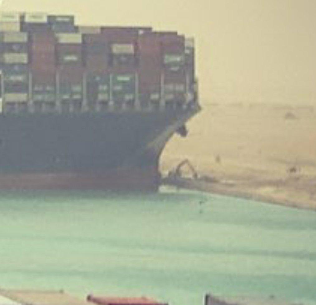 Lo Del Barco Atascado En El Canal De Suez (Vol.1: Origins) ExMZmGnVkAAonEG?format=jpg&name=medium