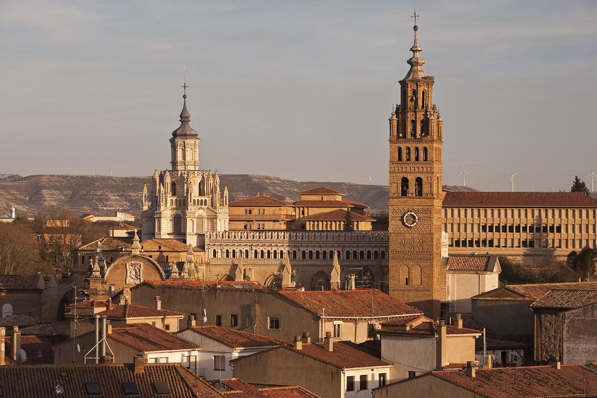 (2/2) 📍⛪️🎨 Allá donde se ubica uno de los pueblos más buscados de España se esconde la #CapillaSixtina del Renacimiento Español.  #Tarazona tiene mucho que contar. Y más este año, en el que se cumple el décimo aniversario de la reapertura de su catedral.  ¡Estad atentos!
