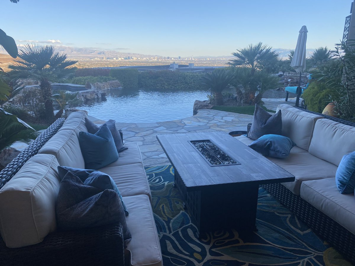 Had the joy of touring one of the most expensive homes in the valley. This Henderson property is selling for $18 million. @8NewsNow #8NN #realestate https://t.co/ab9r3d7qGI