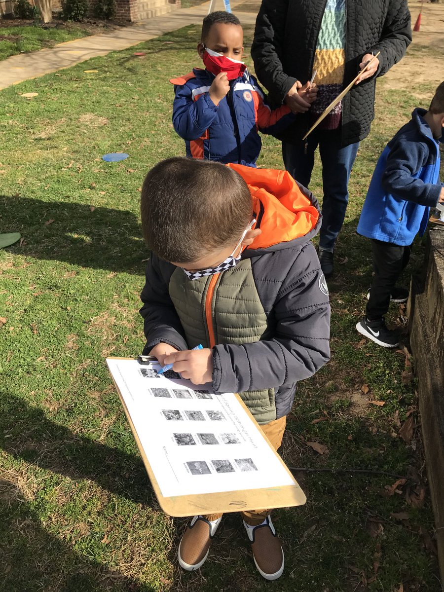 Yesterday we went on a spring scavenger hunt and saw beautiful flowers, birds, and a nest! <a target='_blank' href='http://search.twitter.com/search?q=KWBPride'><a target='_blank' href='https://twitter.com/hashtag/KWBPride?src=hash'>#KWBPride</a></a> ⁦<a target='_blank' href='http://twitter.com/BarrettAPS'>@BarrettAPS</a>⁩ ⁦<a target='_blank' href='http://twitter.com/APSVirginia'>@APSVirginia</a>⁩ ⁦<a target='_blank' href='http://twitter.com/APS_EarlyChild'>@APS_EarlyChild</a>⁩ <a target='_blank' href='https://t.co/RkuHPeJxhQ'>https://t.co/RkuHPeJxhQ</a>