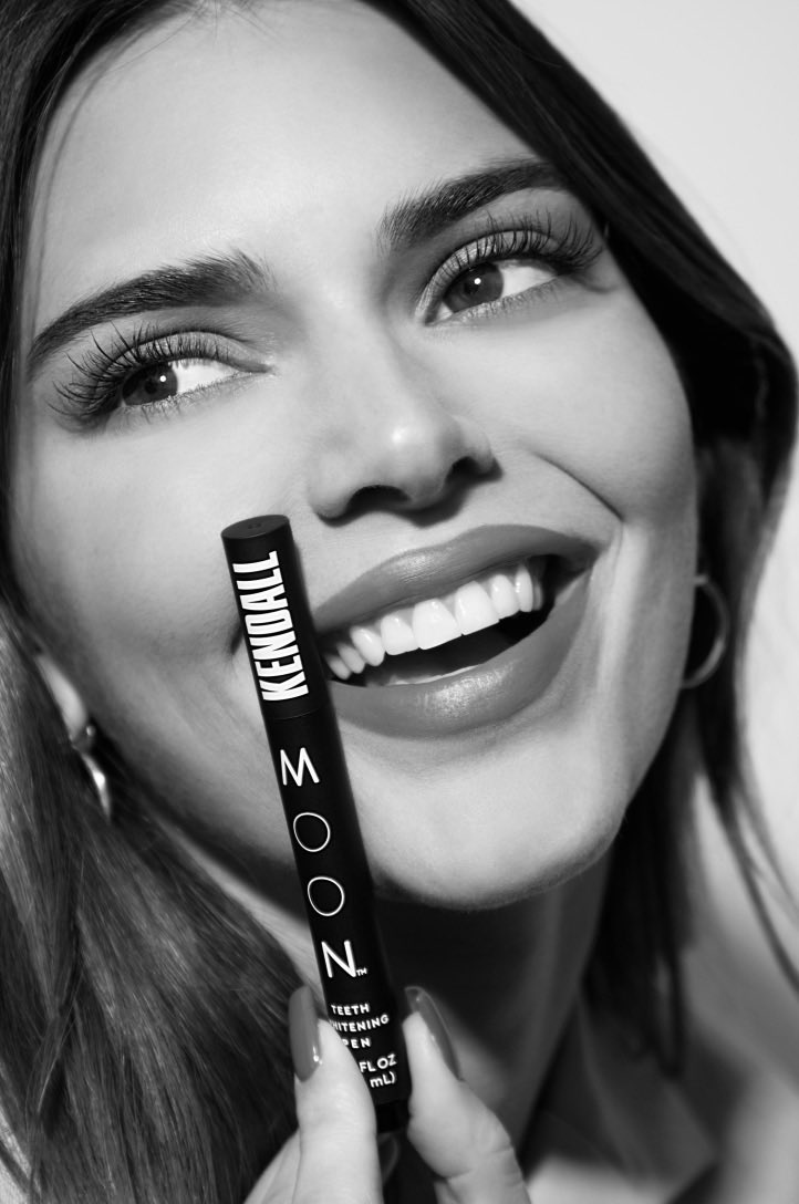 Oral beauty! @MoonOralCare #moon_partner https://t.co/9oG3iS9FUA https://t.co/XRg0JfqWnh