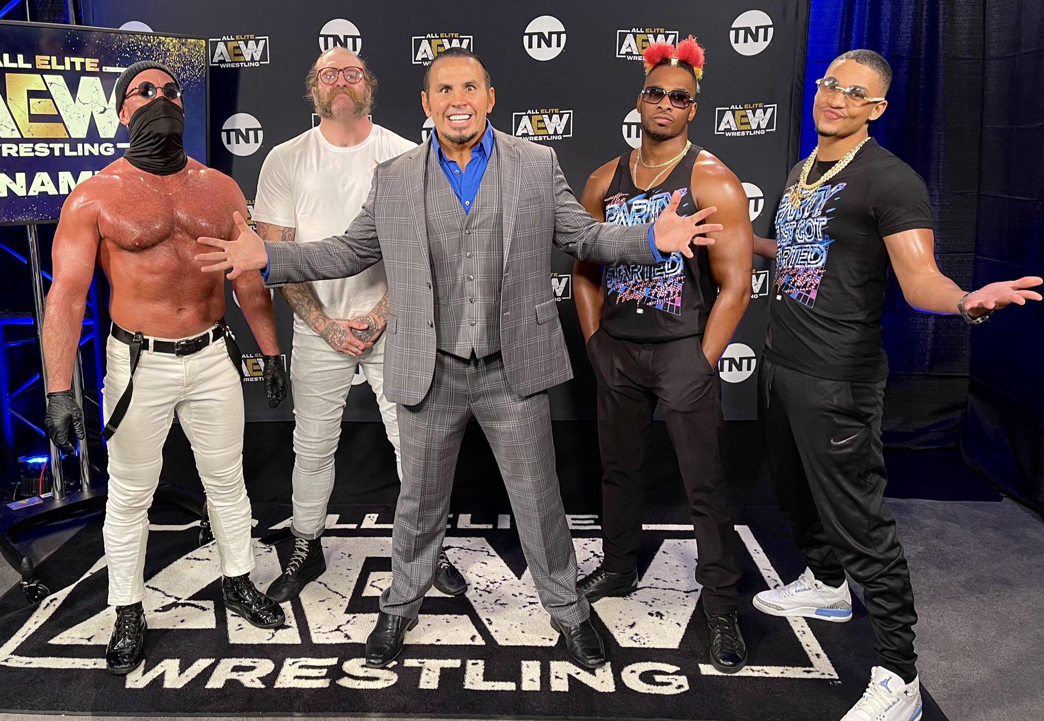 Hardy sigue haciendo de las suyas en AEW Dynamite.