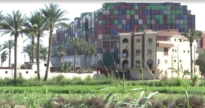 Lo Del Barco Atascado En El Canal De Suez (Vol.1: Origins) ExUAqMLWgAAtXpv?format=jpg&name=small