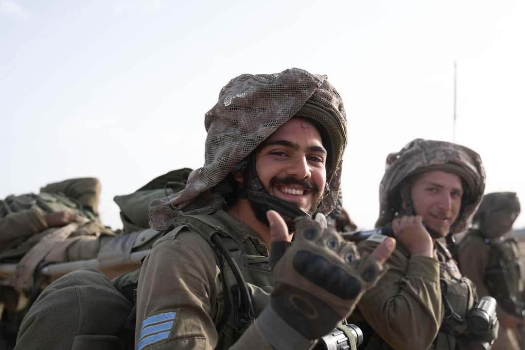 ادرعي يغرد : إنهاط #كتيبة_كركال المختلطة، مهمامها الرئيسة حماية الحدود الجنوبية مع #مصر جنودنا يقومون بواجبهم بكل اندفاع…