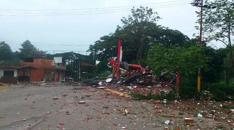 Conflicto armado en Venezuela (FARC-EP y FANB) ExVNJeSWEAEgKTJ?format=jpg&name=900x900