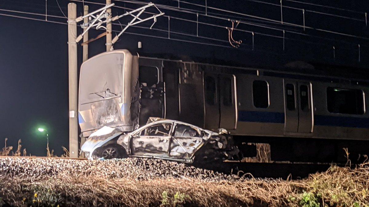 [閒聊] 小客車侵入 JR 常磐線軌道與列車發生碰撞起火