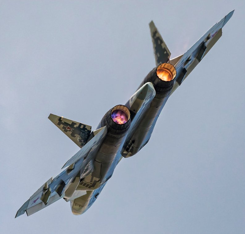 Su-57 Stealth Fighter: News #7 - Page 37 ExWiVPTU8AIftry?format=jpg&name=900x900