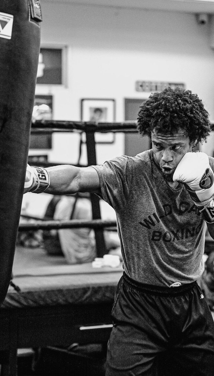"Get to working to stay working - hard work pays off - Blair ""The Flair"" Cobbs #hardworkpaysoffs #workhard #hardwork #wildcardboxing #boxer #fighter #training #WOO @FreddieRoach #MarvinSomodio @PepeReillyBox  @WCBstore @GHannley @GoldenBoyBoxing @DAZNBoxing 📸 @RodneyPinz https://t.co/uYkHR0QPe2"