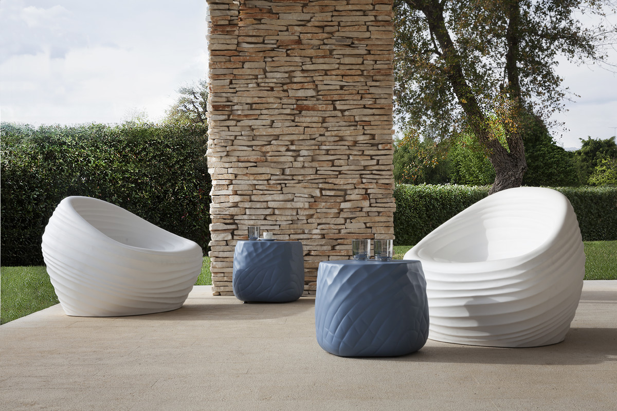Easy to clean and available in a wide variety of colors, the river stone table amazes with its organic shape, its 3D design and with its softness.  https://t.co/JiEDCedpXT