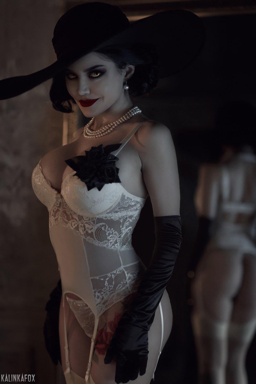 Kalinka Fox Lady Dimitrescu Cosplay