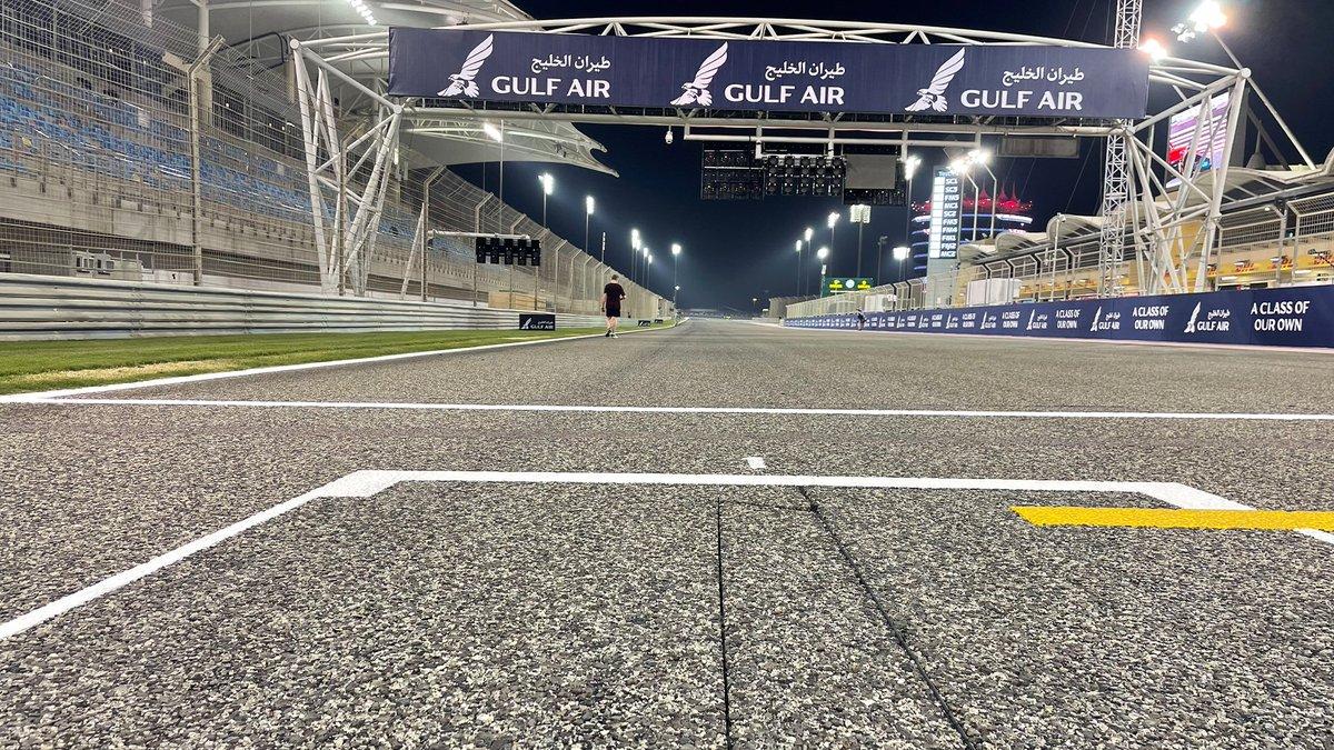 Pole position na torze Bahrain International Circuit