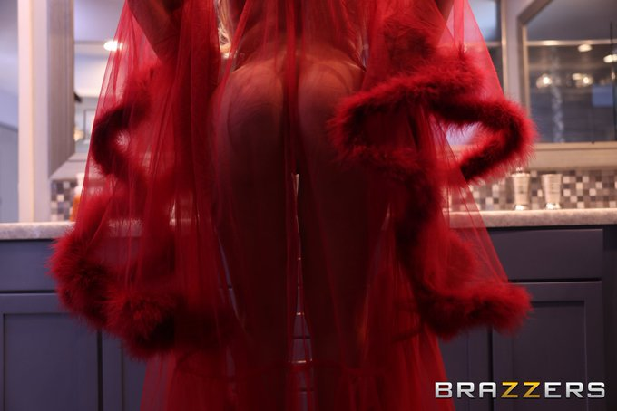 Magical from @Brazzers ..... https://t.co/Kc3EQ4qoGH