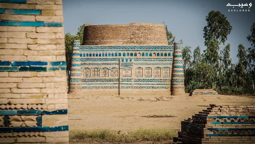 Lal Mahra tombs