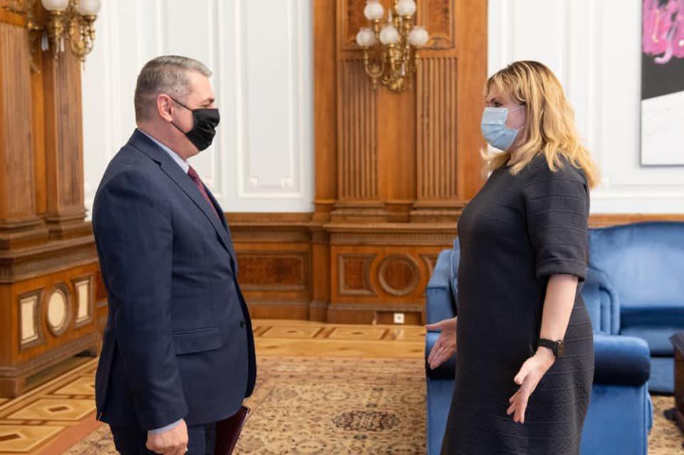 Femeie armeniana intalnire