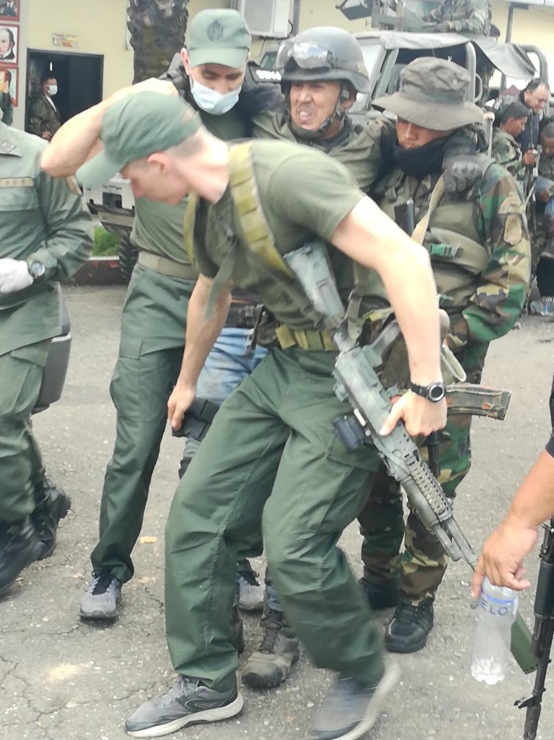 Operaciones Militares de la FANBV - Página 3 ExpymO6W8AA5T2B?format=jpg&name=medium