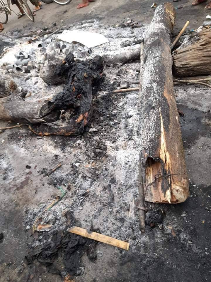 #March30Coup: Burnt body found in Ward 56, South Dagon, Yangon — 7:20am  A youth was burned to death by Terrorists (#Myanmar security forces) last night.  #WhatsHappeningInMyanmar #Mar30Coup https://t.co/3dvjTNGXzB