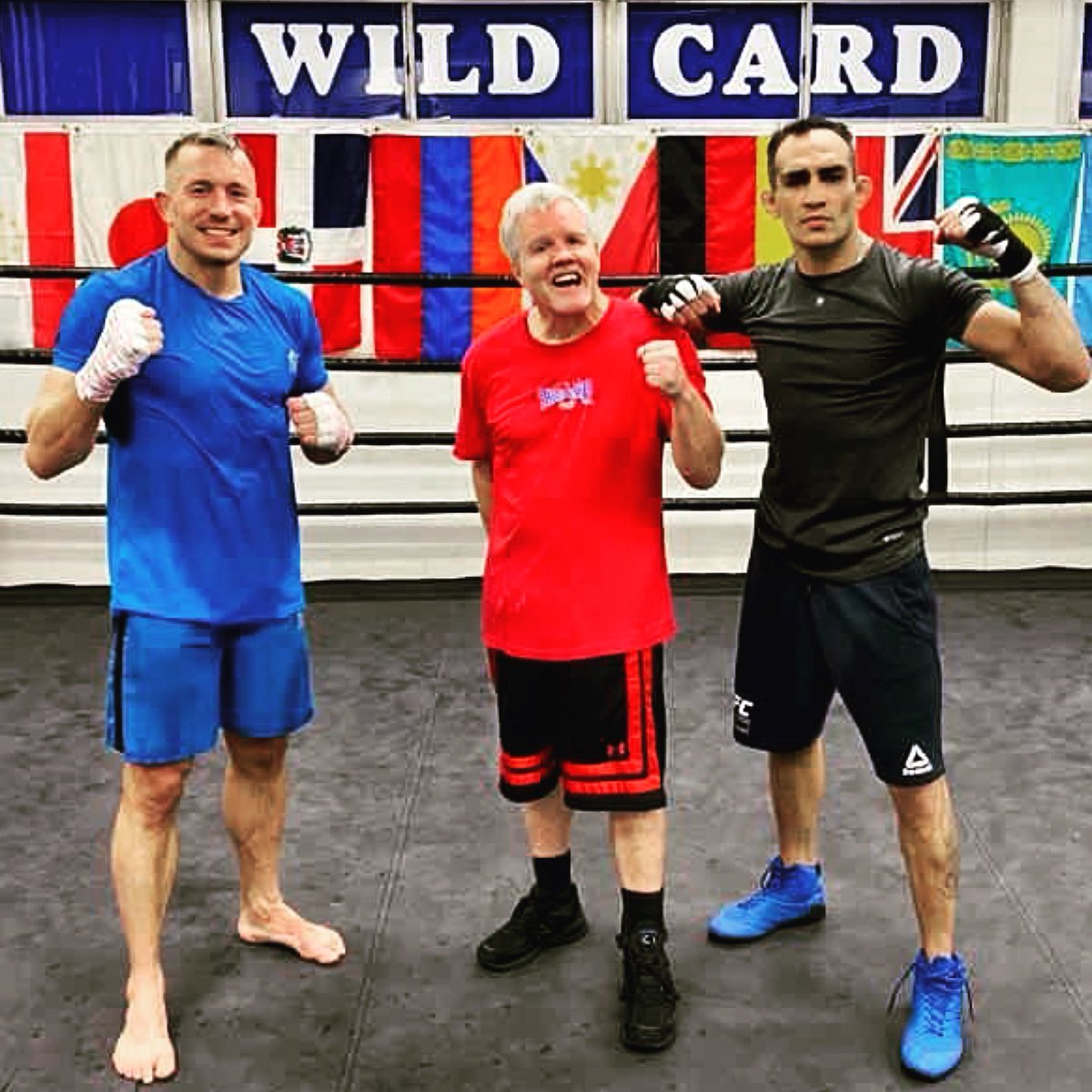 On a Monday @GeorgesStPierre @FreddieRoach and @TonyFergusonXT #wildcardboxing #wildcardboxingclub #thehousethatFREDDIEbuilt @WildCardBoxing1 @ufc @danawhite https://t.co/zOvNbEeHiK