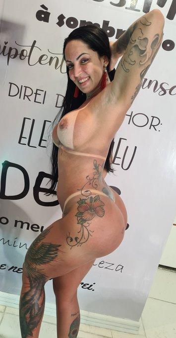 3 pic. Melhor bronze do Rio de Janeiro é na @Priscillabronze .. só faço nela ❤☀️🙏🏻 https://t.co/ecsu