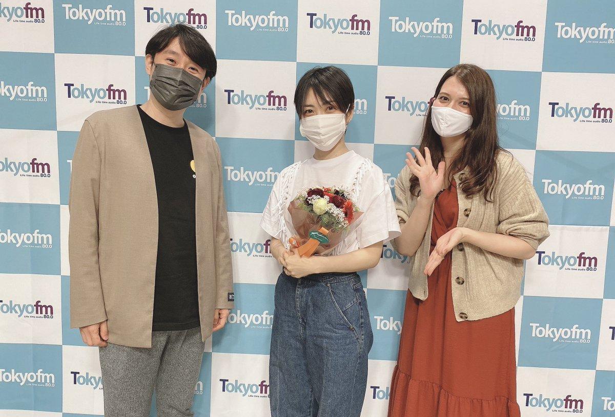 ☀ONE MORNING❶ 鈴村さん&ザベスさん組の 最後のゲストはシンガーソングライターで声優の坂本真綾さんでした‼️ デュエットアルバム「Duets」についてのお話を伺いました  Audeeにて「Duets」のアルバムの魅力、制作秘話 4/18(日)23:59まで聴けますよ  audee.jp/voice/show/291… #ワンモ