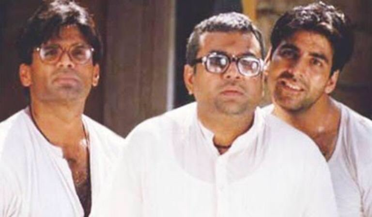 @SunielVShetty @priyadarshandir @SirPareshRawal @GulshanGroverGG Agreed! Even we didn't know back then what a film we were making, each scene better than the other. Specially love this one : dhoti 😂😂 Genius of Priyan sir and epic dialogues by late Neeraj Vora. https://t.co/mzU3xq2sKx