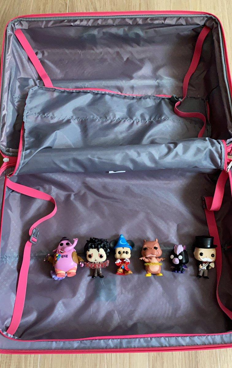 Prioridades al hacer mi maleta...😬