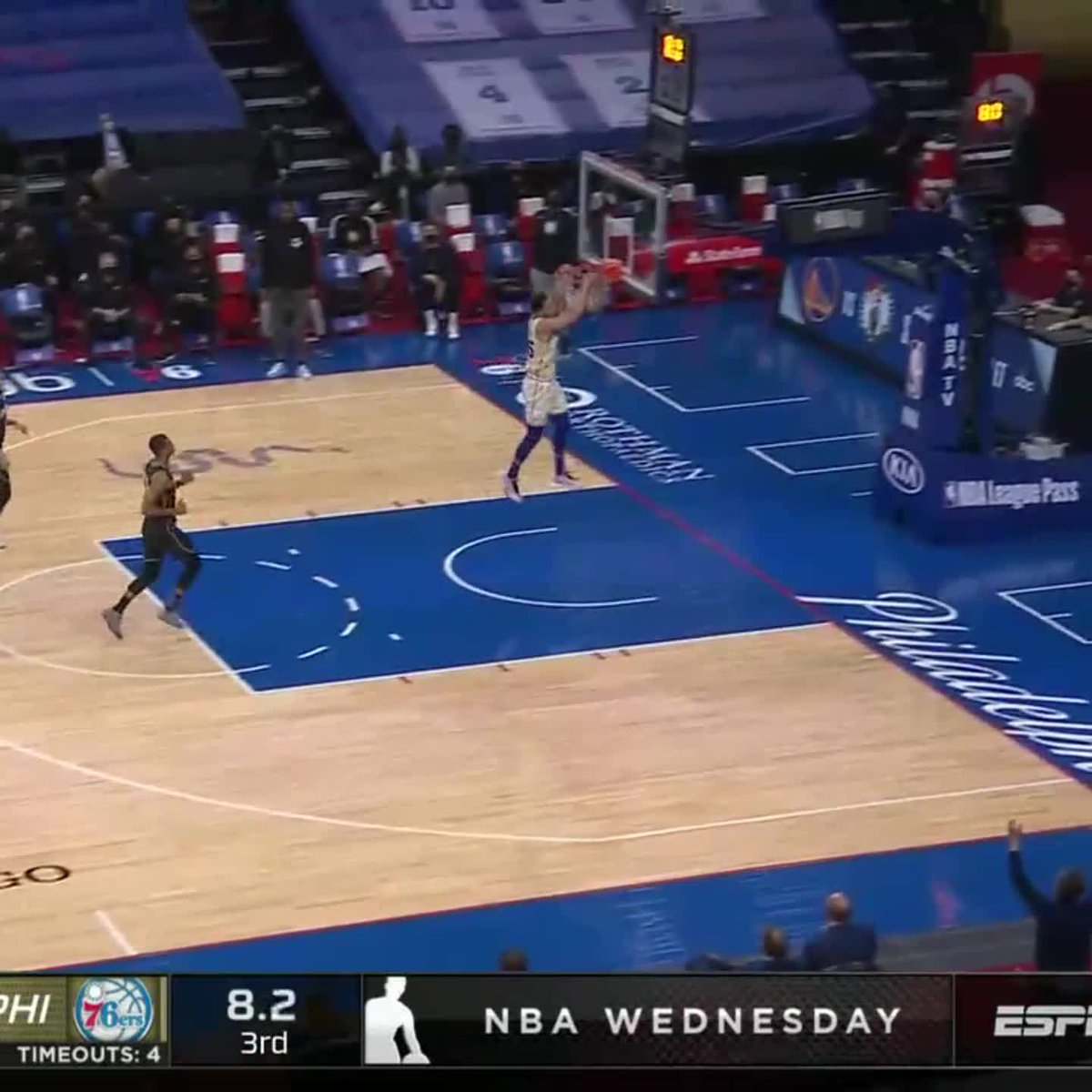 SIMMONS STEAL AND SLAM 💪 https://t.co/h9cE90qWBp
