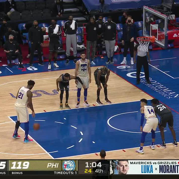 """KD sucks"" chants broke out in Philly with Embiid on the FT line. https://t.co/mhdd7lW7k4"