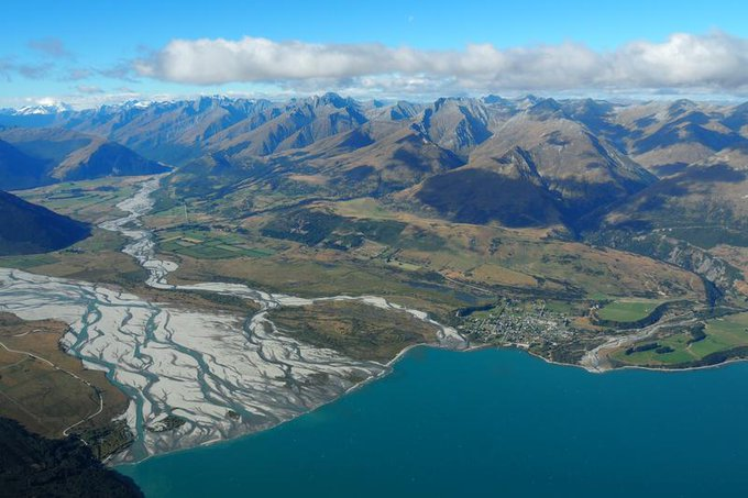 New Zealand introduces climate change law for financial firms in world first Photo