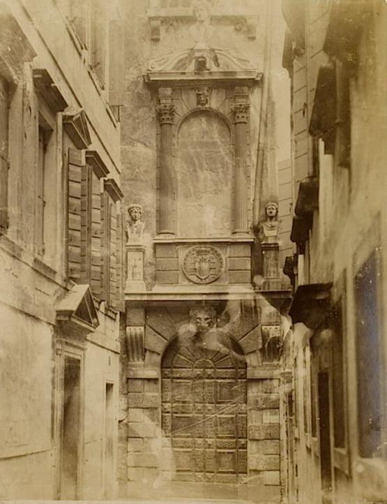 RT @PalazzoGrimani: #Grimani1600 Di porta in porta...
