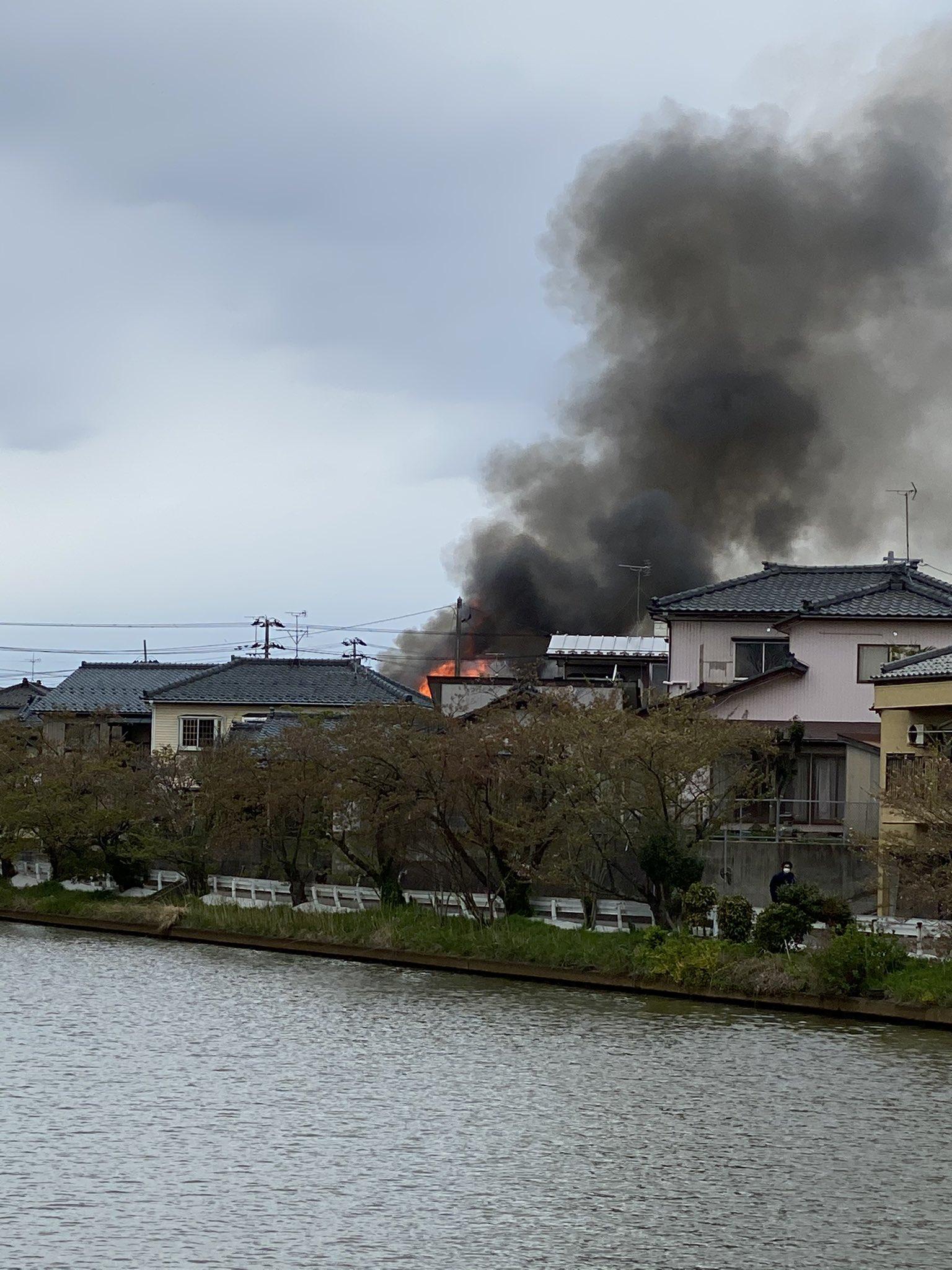 内野駅付近の建物火災の画像