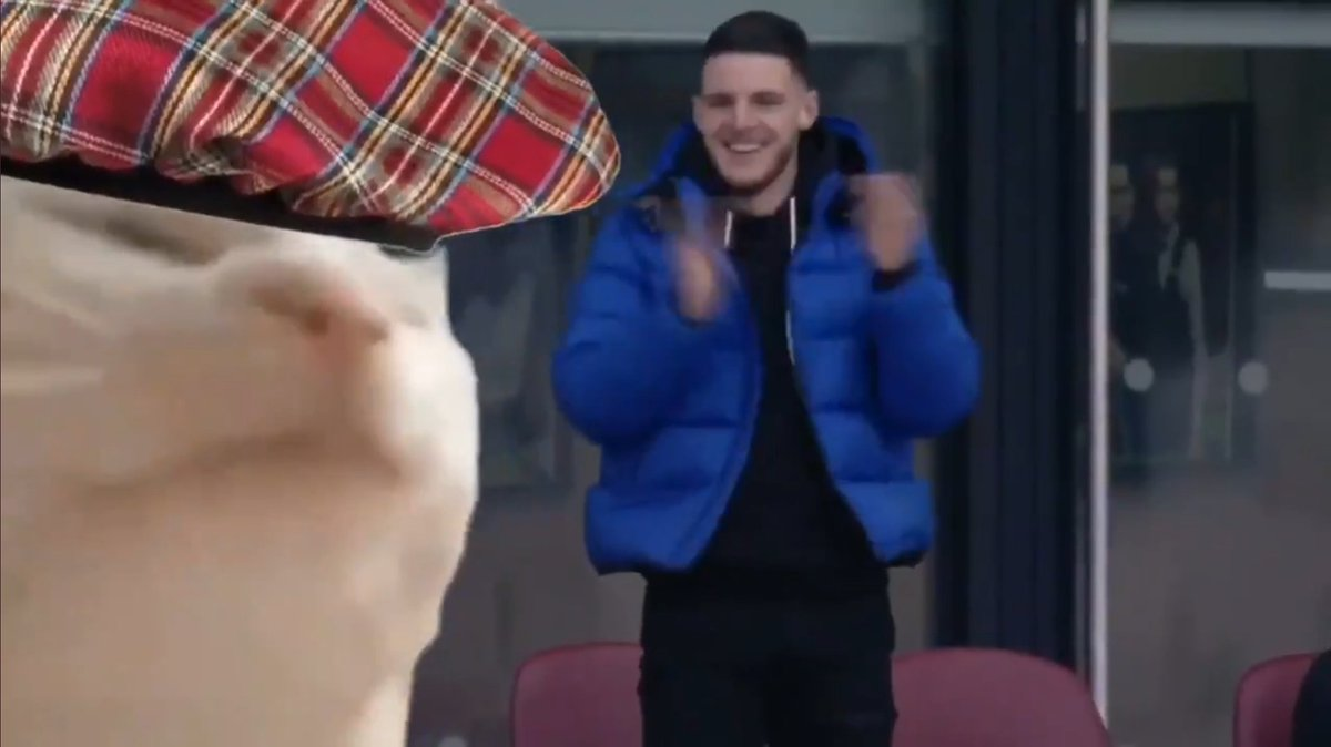 @WestHamClips The crowd are going nuts, cooooome on McTibbles 🤣🤣🤣 #WHULEI #WestHam West Ham https://t.co/czrkWaqMaf