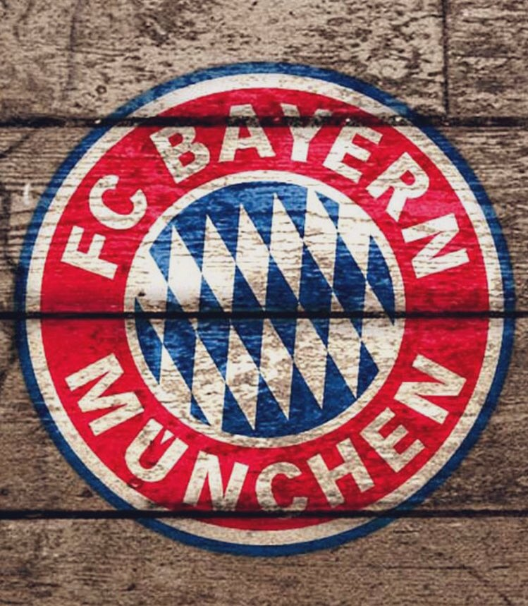 Retweet if you love Bayern Munich win or lose ❤️ #MiaSanMia #MiaSanFamily https://t.co/5kmp1HEo4A