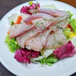 野菜と一緒に食べても美味しそう!ほぼ混ぜる&かけるだけで作れるカルパッチョのレシピ!
