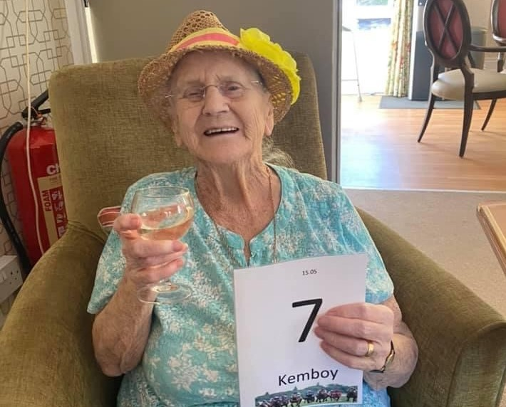 Birkin Lodge residents enjoyed a glass of prosecco whilst watching cheering on their horse at the Cheltenham Festival. https://t.co/yHcF89VwdX #TunbridgeWells #CheltenhamFestival https://t.co/puzM951Vaw