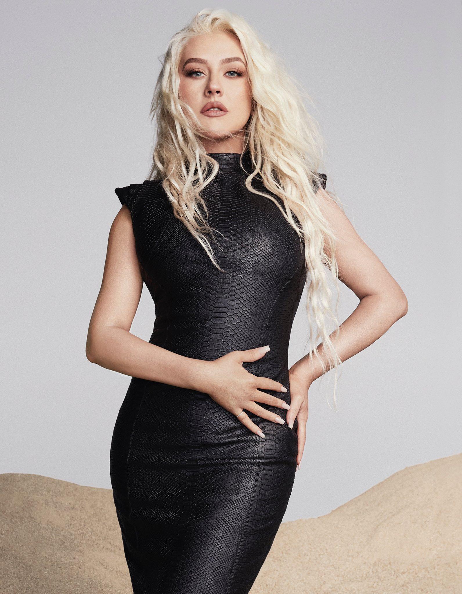 "Christina Aguilera >> single ""Pa' Mis Muchachas"" - Página 15 Ey2kP82WgA0gaaS?format=jpg&name=large"