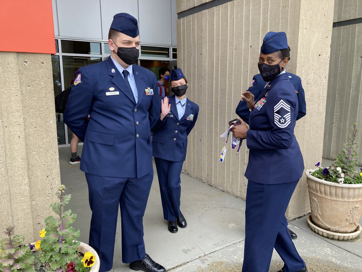 JROTC getting ready to welcome our State Superintendent to <a target='_blank' href='http://twitter.com/APSCareerCenter'>@APSCareerCenter</a>! <a target='_blank' href='https://t.co/7koXxijP04'>https://t.co/7koXxijP04</a>