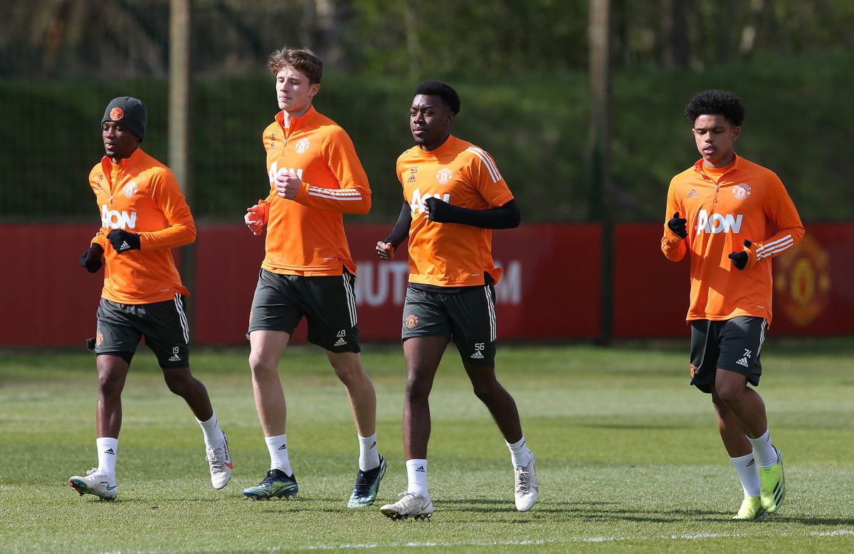 The future is bright 🤩  Amad, Will Fish, Anthony Elanga and Shola Shoretire pictured in #mufc first team training today. https://t.co/mK0o2kXS6X